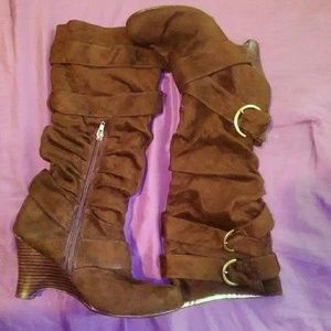 Brown suede boots with zipper on side